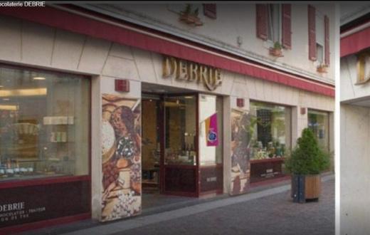 DEBRIE